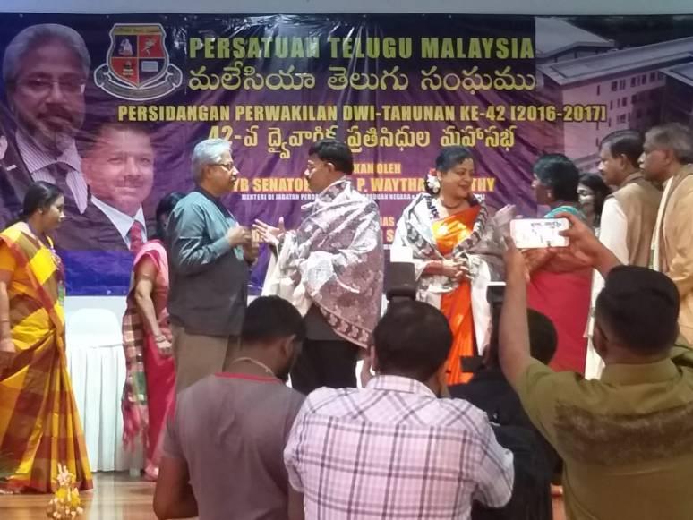 Malaysia Telugu Sangham Felicitated Collector B Lakshmikantham Photos 03.jpg