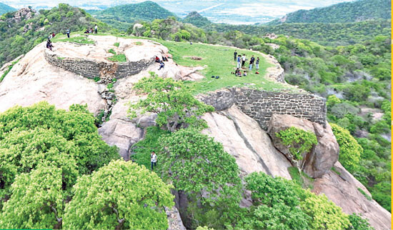 Kondapalli Forest Trecking Photos 01 Eenadu 22-12-2018