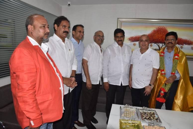 Lalitha Jewelary Inauguration Photos 01.jpg
