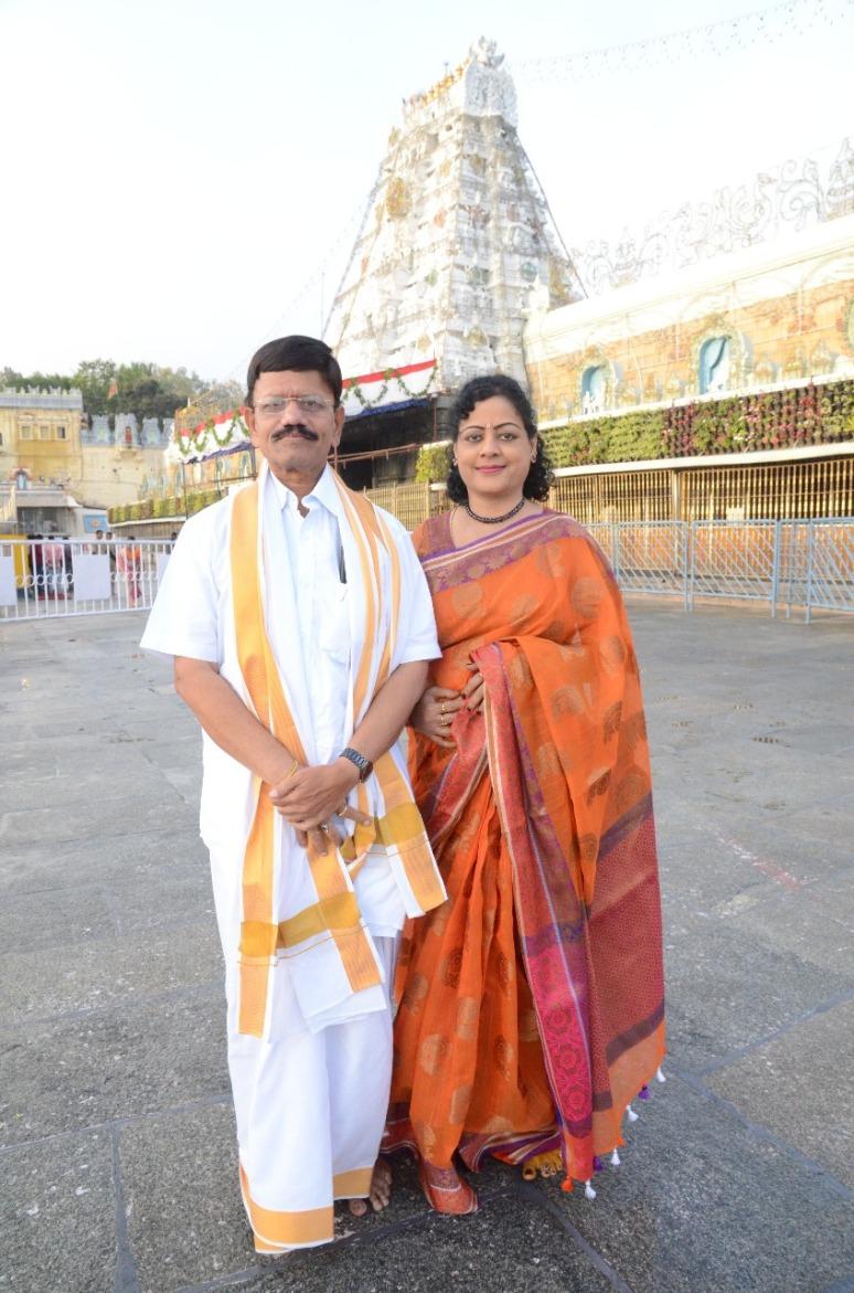 Mr & Mrs Lakshmikantham Photos 01.jpg