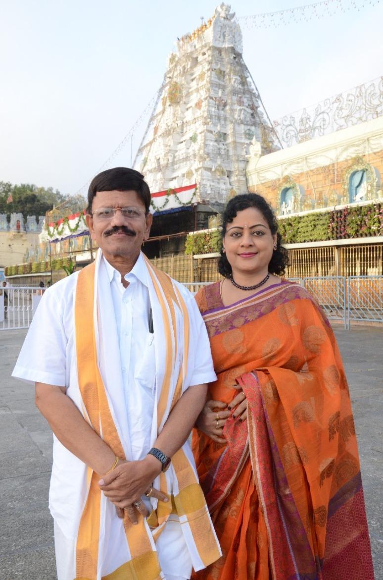 Mr & Mrs Lakshmikantham Photos 02.jpg