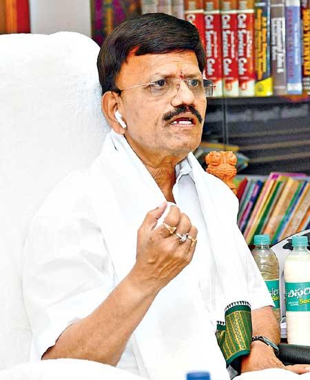 TTD Tirupati JEO B Lakshmikantham-IAS.jpg